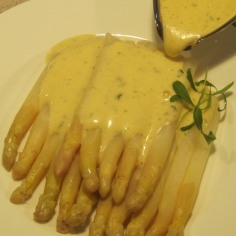 Spargel mit Bearnaise